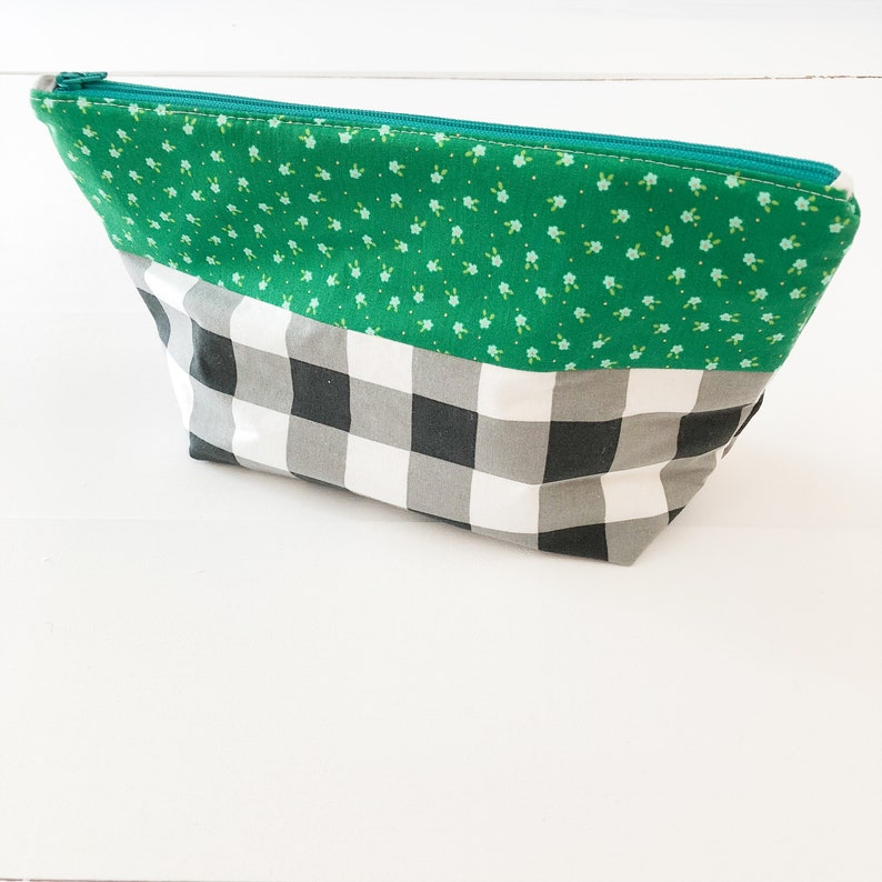 Zippered Pouch  Gingham image 0