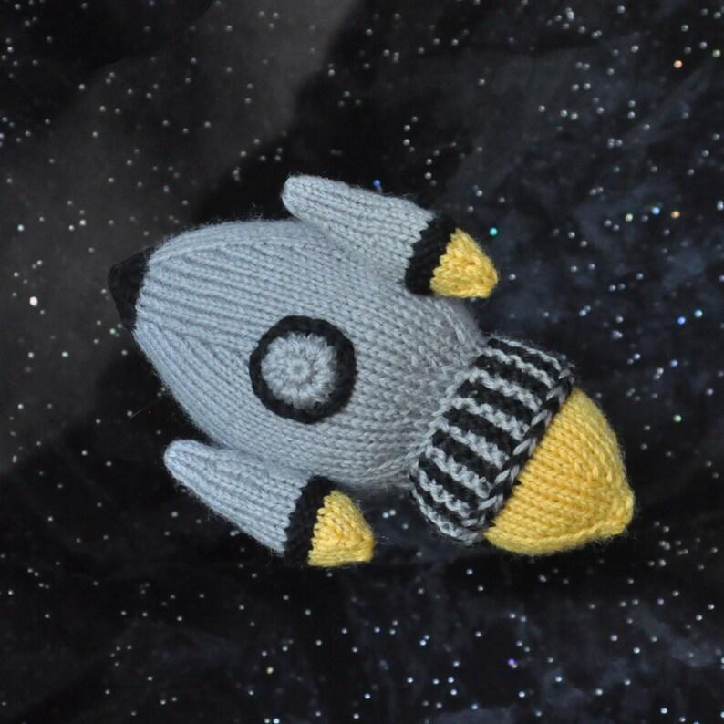 Knit Rocketship Pattern PDF image 0