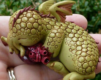 Cutethulhu sleeping with heart - Cthulhu Polymer Clay Sculpture
