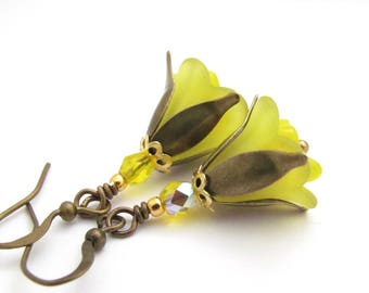 Yellow Trumpet Flower Dangle Earrings Lemon Yellow Drop Woodland Fairy Boho Bohemian Antiqued Brass French Hook USA Hawaiian Jewelry