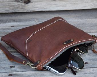 Medium Leather Zipper Pouch  /  Zippered Purse /  Phone Case / Camera Wristlet / Leather Clutch / Summer SALE
