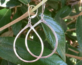 Bold Hammered Teardrop Earrings, Sterling Silver or Gold Filled Simple Teardrop Wire Leverback Earrings, Medium Size Jewelry, Gifts for Her