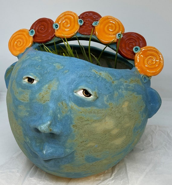 Flower Face Planter (Free US Shipping) - Round with red and orange accent