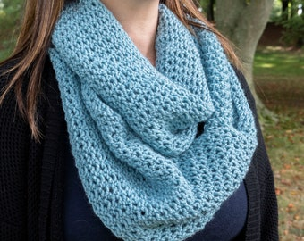 Blue Infinity Scarf - Sky Blue Chunky Knit Scarf - Blue Vegan Infinity Scarf - Blue Circle Scarf - Cozy Winter Scarf - Gift for Her