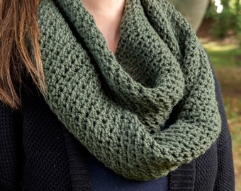Olive Green Infinity Scarf - Olive Chunky Knit Scarf - Vegan Infinity Scarf - Seaweed Green Circle Scarf - Cozy Winter Scarf - Gift for Her