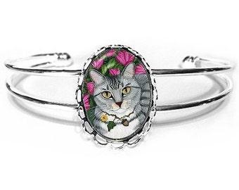 Gray Tabby Cat Bracelet Silver Tabby Fantasy Cat Art Silver Cat Cameo Bracelet 25x18mm Gift for Cat Lovers Jewelry