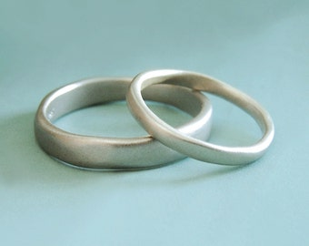 River Wedding Band in 14k White Gold, Modern Organic Wedding Ring, Choose a Width and Finish