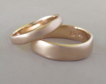River Wedding Ring in 14k Rose or Yellow Gold, Modern Organic Wedding Band, Choose a Finish and Width, Free Engraving