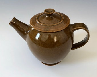 Teapot - Hand-thrown Brown Pottery - 32 oz