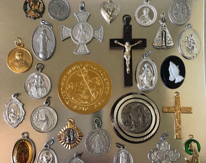 25pcs VINTAGE RELIGIOUS LOT Infant of Prague Old Medallions Crucifixes Religious Medals Vintage Religious Medallion Catholic Gifts No. 4