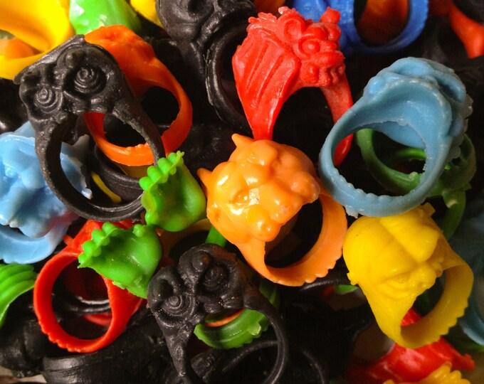 5pcs MONSTER PLASTIC RINGS Vintage Spooky Halloween
