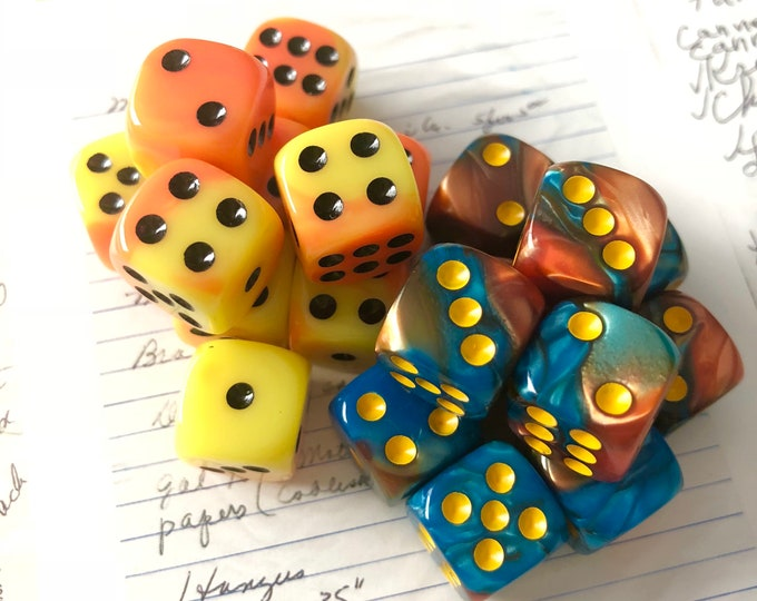 2pcs SMALL MARBLED DICE Game Pieces Striking Colors