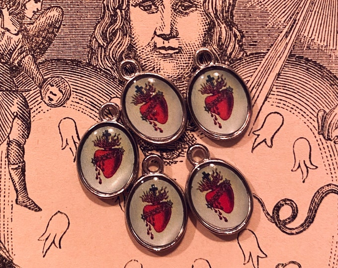 5pcs SACRED HEART CHARMS Little Custom Made Vintage Religious Images Bleeding Flaming Heart Miniature Pendant Medallions Lot