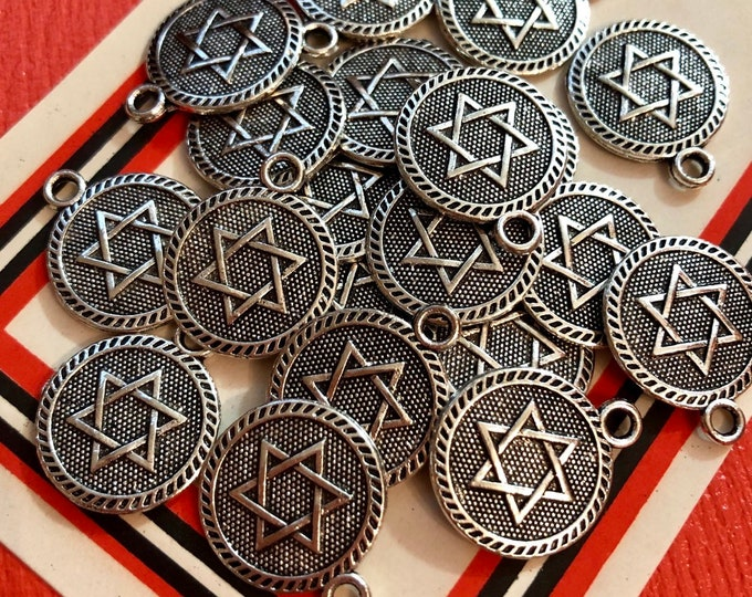 10pcs JEWISH STAR MEDALLIONS Small Star of David Pendants Jewish Star Charms Judaism Medals Beautiful Jewish Jewelry Charm Lot