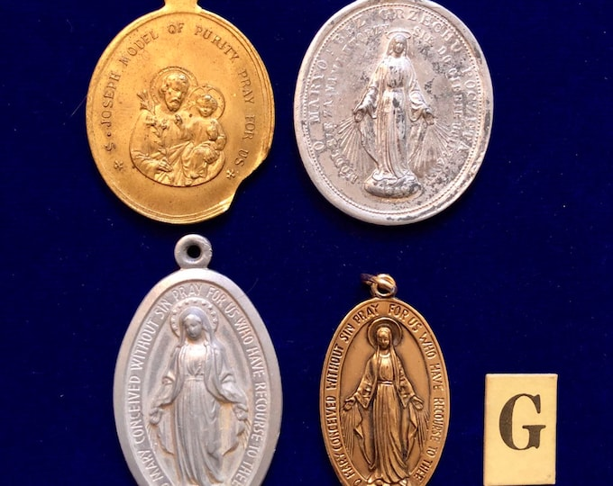 4pcs VINTAGE RELIGIOUS MEDALS Old Large Medallions St. Joseph Model of Purity Miraculous Catholic Medals Lot G