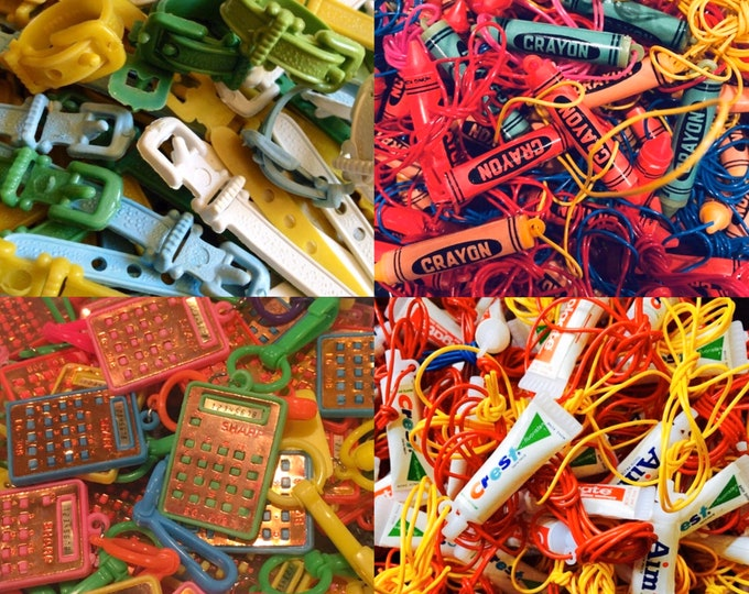 10pcs VINTAGE VENDING PRIZES Plastic Charms Lot Dime Store Toys Karate Belt Rings Crayons Calculators Toothpaste Tubes Party Favors Bulk
