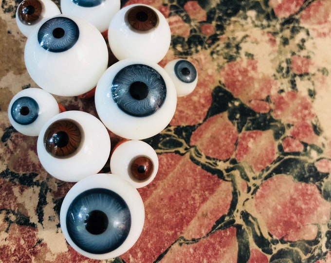 1pc GERMAN GLASS EYE Old Doll Part Antique Vintage Eyeball Altered Art Assemblage Several Sizes