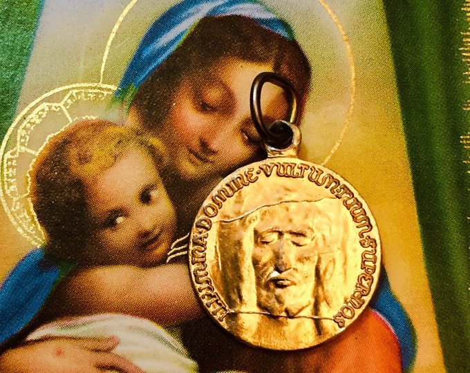 HOLY FACE MEDAL Vintage Religious Latin Jesus Gold