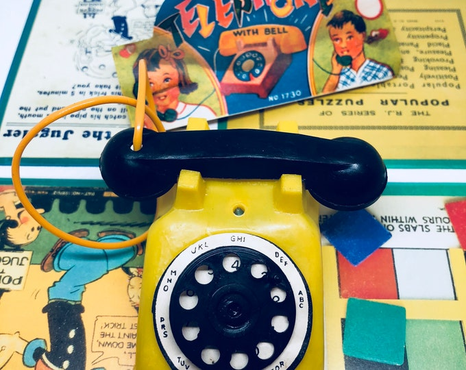 1pc VINTAGE PLAY TELEPHONE Plastic Miniature Dime Store Toy Hong Kong