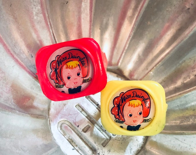 1pc MISS DAIRYLEA RING Vintage Dairylee Toy Ring Old Dime Store Toy Plastic Charm Party Favor