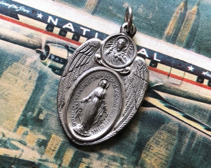 1pc WINGED SCAPULAR MEDAL Vintage Religious Military Catholic Charm