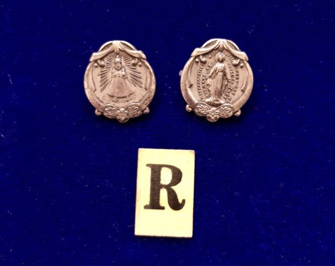 2pcs VINTAGE RELIGIOUS PINS Little Silver Infant of Prague & Virgin Mary Miraculous Catholic Pin Lot R