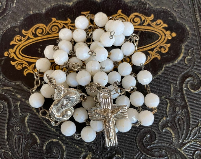 VINTAGE FACETED ROSARY White Beads Plastic Catholic Devotional Unusual Small Crucifix Complete 17""