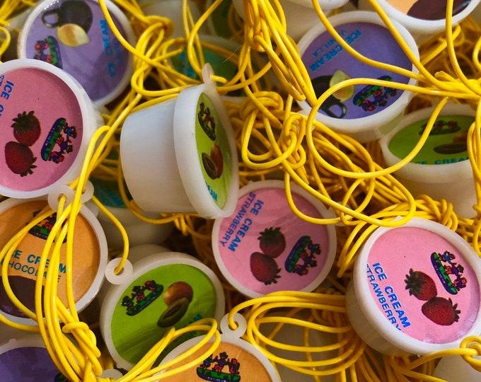 10pcs ICE CREAM CHARMS 1970s Vintage Plastic Charm Necklaces Retro Party Favors Vintage Vending Gumball Toy