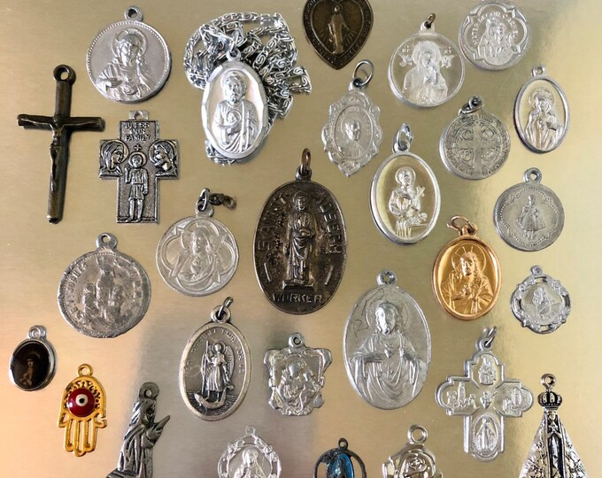 25pcs VINTAGE RELIGIOUS LOT 4 Way Cross Religious Medallion Old Medallions Crucifixes Vintage Catholic Gifts Religious Medals No. 11