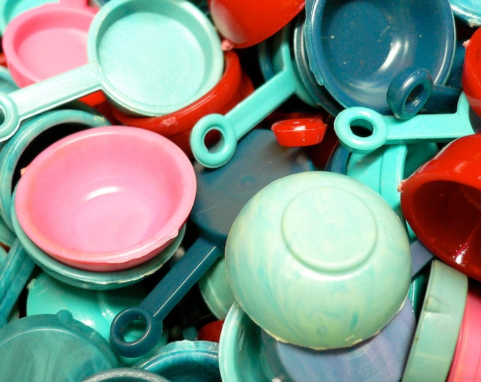 12pcs TINY DOLL DISHES Little Plastic Kitchenware