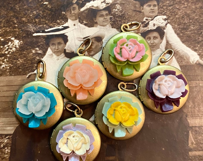 1pc VINTAGE FLORAL LOCKET Old Style Japanese Celluloid Rose Photo Locket Charm Pendant Necklace Jewelry