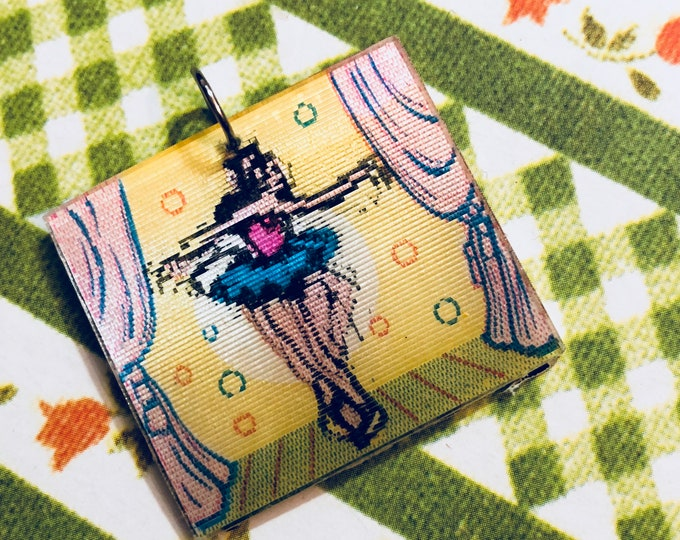 1pc BALLERINA FLICKER CHARM Vintage Kitsch