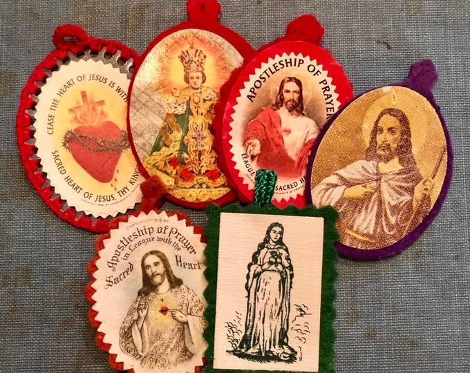 VINTAGE DEVOTIONAL LOT Scapular Cloth Sacred Heart Apostleship of Prayer Infant of Prague St. Jude 300 Catholic Indulgences 1959