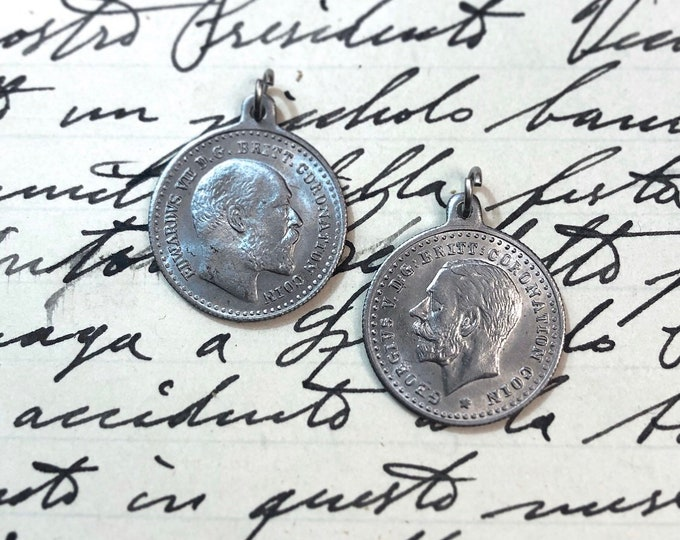 1pc CORONATION SOUVENIR British Royalty Medal Coin Charm Jewelry Pendant Britain Antique Edward VII 1902 George V 1911 Scarce Memoribilia
