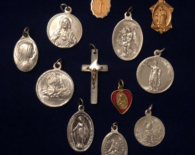 12pcs VINTAGE RELIGIOUS LOT Fabulous Medals Mix Pearl Crucifix Lourdes St. Expedite Scapular St. Ann Sacred Heart St. George Special Value