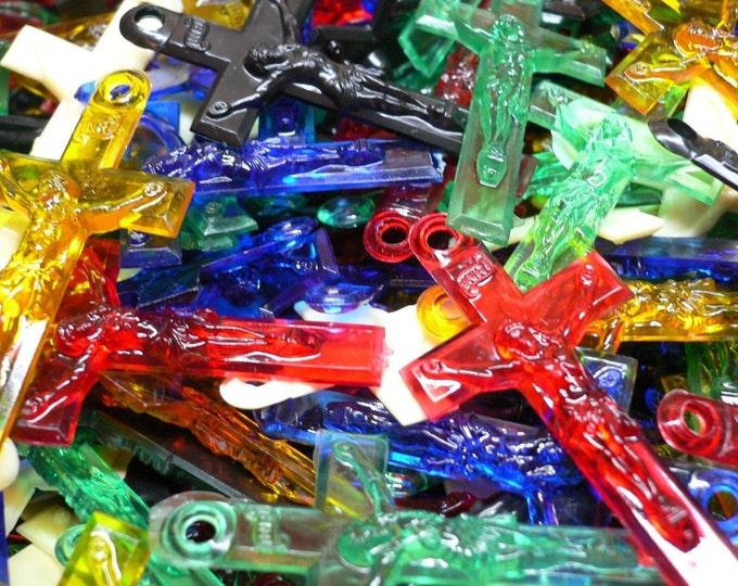 5pcs VINTAGE PLASTIC CRUCIFIXES Assorted Religious Crosses Limited Color Mix