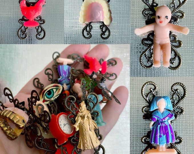 GUMBALL PRIZE BROOCH Miniature Kitschy Pin Gum Ball Jewelry Oddity Plastic Charm Vending Toy Creation Chicken Dentures Tiny Baby Dutch Doll