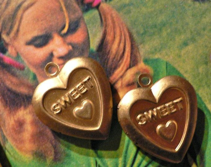 2pcs HEART VINTAGE LOCKETS Retro Design Sweetheart