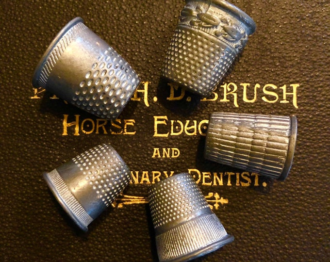 5pcs ANTIQUE SEWING THIMBLE Functional  Metal Vintage Style Design Unique Sewing Kit Notion Stitching Supply Notions Lot
