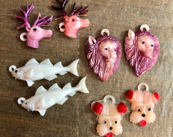 2pcs VINTAGE ANIMAL CHARMS Tiny Lion Fish Buck Dog Old Plastic Charms Craft Supply Miniatures Japan Your Pick