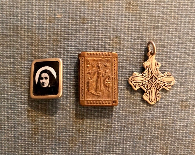 3pcs VINTAGE CATHOLIC ITEMS Saint Bernadette Pin Saint Francis Charm Petite Silver Maltese Cross Religious Lot
