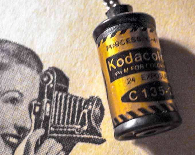 1pc KODACOLOR FILM CHARM Vintage Kodak Secret Compartment Plastic Necklace