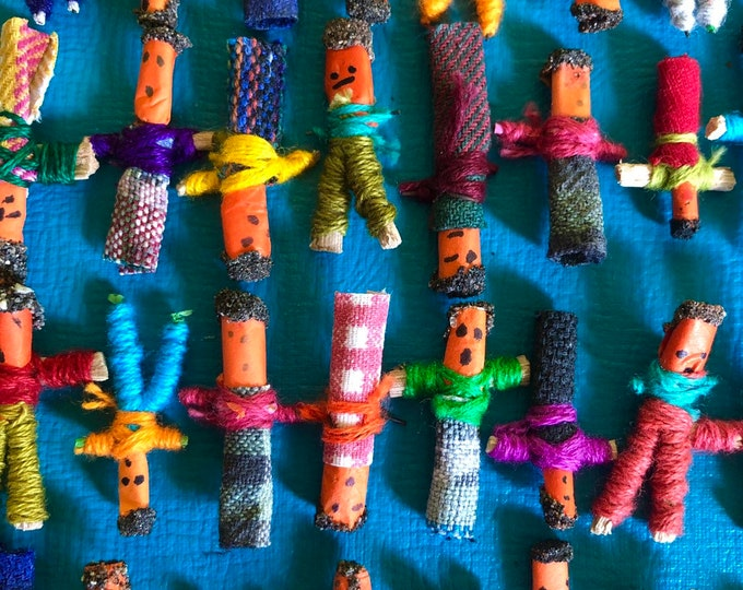 10pcs GUATEMALAN WORRY DOLLS Individually Handcrafted Trouble Dolls Tiny Doll Party Favors Miniature Dolls Luck Amulet Miniature People Lot