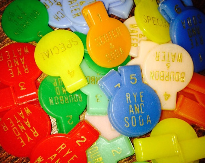 4pcs RETRO DRINK MARKERS 1960s Vintage Plastic Charms Style A