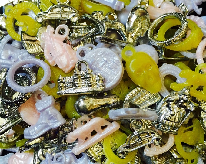 15pcs VINTAGE PLASTIC CHARMS Pearl Pastels + Metallics Gumball Charms Vending Old Stock Candied Mix