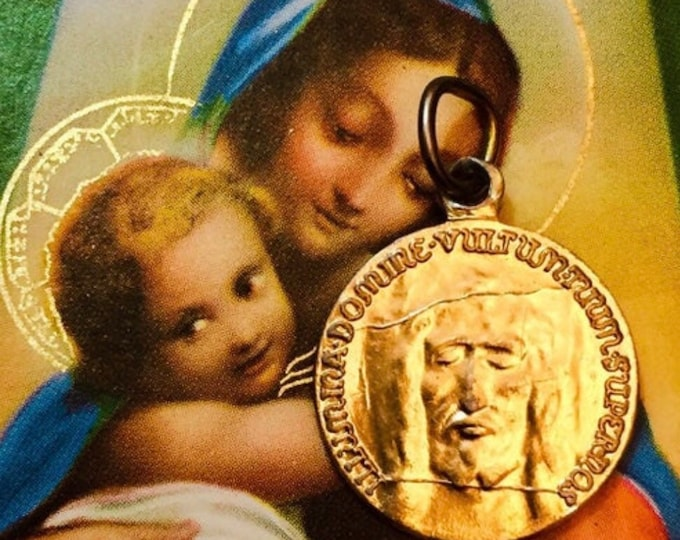 HOLY FACE MEDAL Vintage Shroud of Turin Medallion Religious Pendant Latin Jesus Gold
