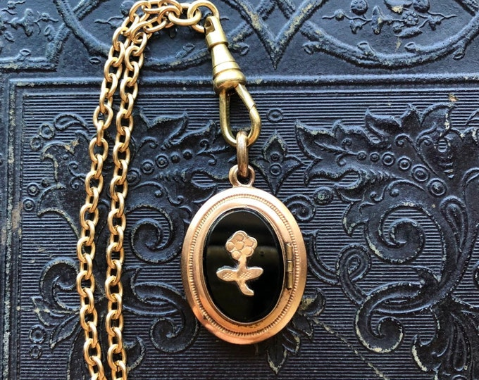 """VICTORIAN MOURNING LOCKET Antique Flower Adorned Jet Glass Pendant Paper Interior + Gold Filled Brass Swivel Clasp On 29"""" Chain"""