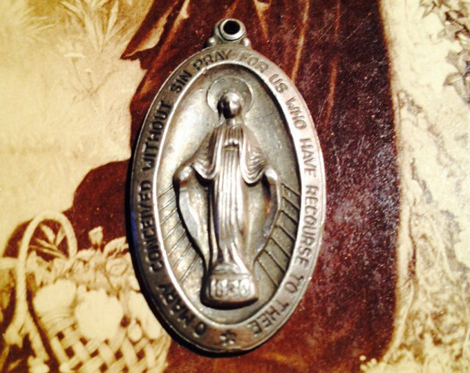 STERLING MARY MEDALLION Vintage Religious Charm