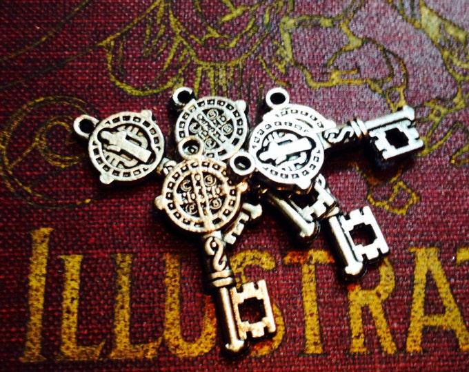 5pcs SAINT BENEDICT KEYS Religious Medallions Protection From Evil Catholic Charms Pendants Jewelry Tokens Lot
