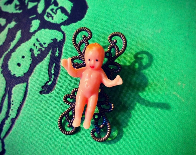 MINIATURE BABY BROOCH Vintage Tiny Mounted Plastic Baby Doll Textured Metal Filagree Pin Jewelry